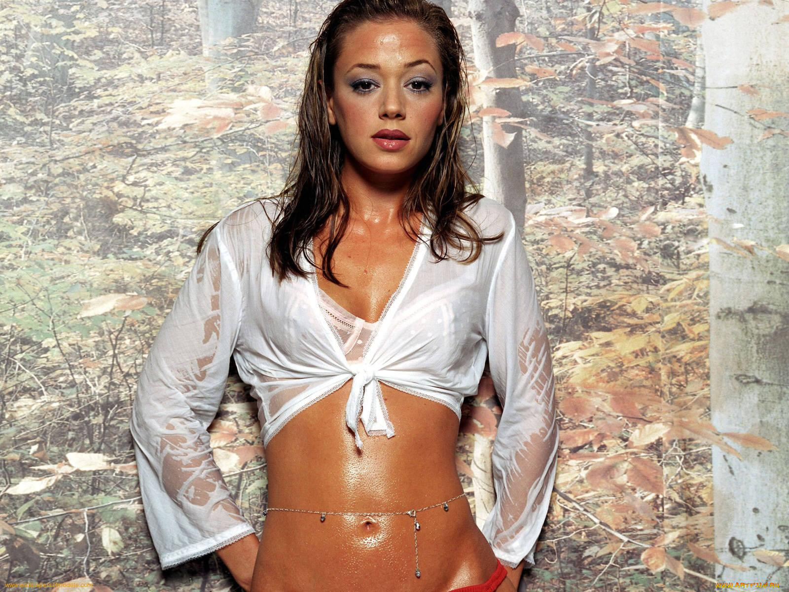 Cartoon leah remini in naked girls jeans anna